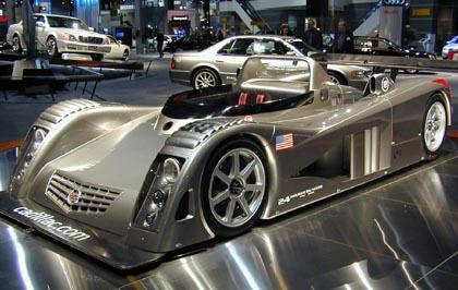احدث انواع السيارات 2010 Cadillac